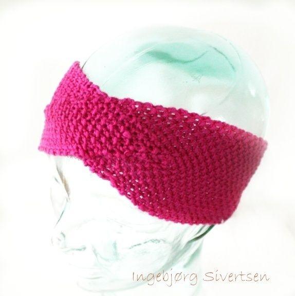 9680afc9 Rosa pannebånd. Fint og lett i stedet for lue :-D Båndet er strikket på  tvers, noe som gir god strekk. Garnet som er brukt er Merino fra SandnesGarn .