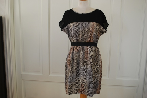 c9208850 Find every shop in the world selling kjole zara at PricePi.com