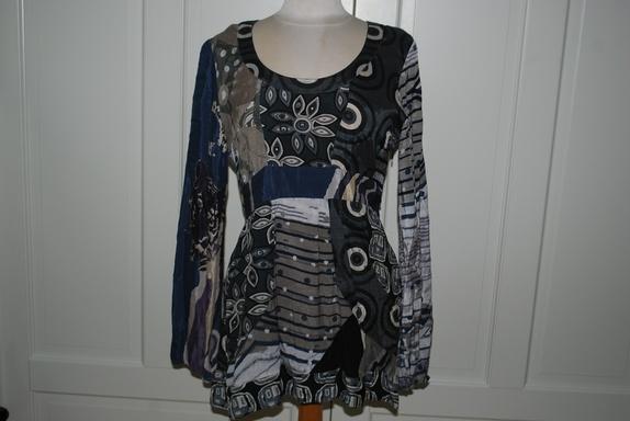 a8b92639a Tunika/bluse fra DESIGUAL - Str XL