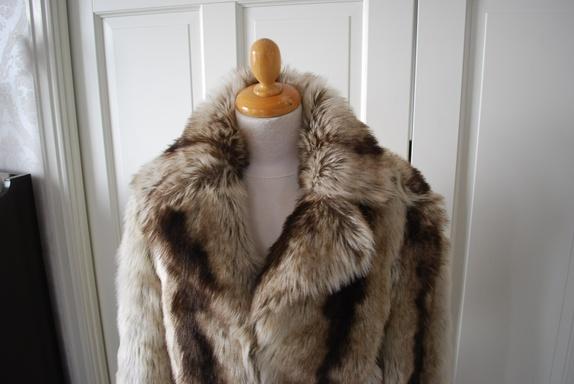 Milla jakke i ulvepelsimitasjon str XL