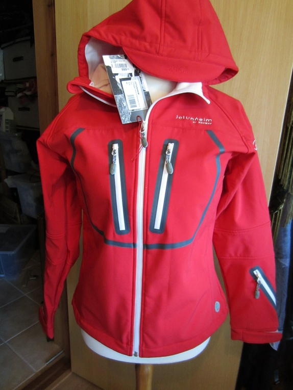cc27fc9a Find every shop in the world selling jotunheim kvitfjell jakke at ...