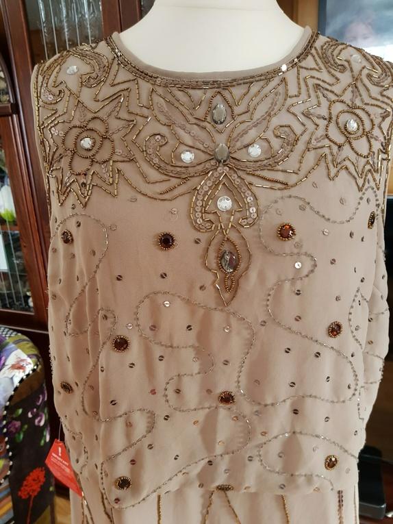 c31c5b63d8ed Helt ny kjole eller tunika/kjole i merket Frock and frill, spekket med  brodert perle/paljett pynt. str liten UK 20 norsk 46-48 Butikk pris ca  1200,-