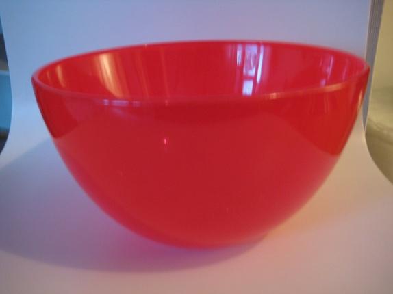 """Lovely"" stor, rød & håndlaget glassskål - Norge - Kjærlighetens farger varmer alle...& er god til snop:)! Omkrets 30 cm - helt ny. - Norge"