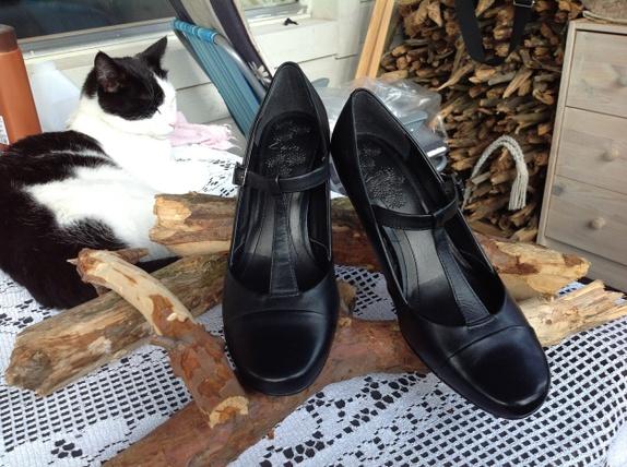 Mary-Jane lærsko fra Clarks str.5.5 - Norge - Skoene er kjempepene og søte! God kvalitet og ser ut som nye! Str.5.5 - Norge