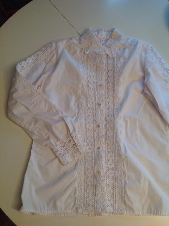 Vakker brodert bluse - Norge - Nydelig retro bluse med mange detaljer. Str. Ca. S Som ny! Se bildene for mer informasjon. - Norge
