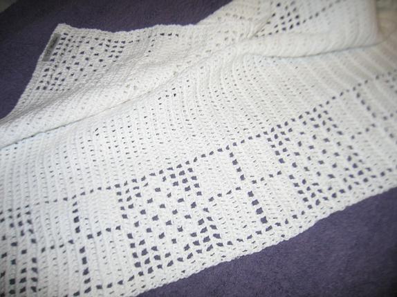 Heklet håndkle - Norge - Håndkle heklet i bomull sport som er hvitt og kan kokes.Mål er 44 x 60 cm, Godt å bruke og gjør seg godt til pynt.Fin gave å få. - Norge