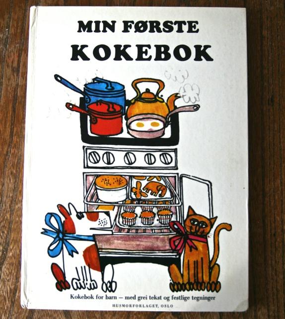 """""""Min første kokebok"""" - Norge - Kul kokebok for barn fra 1973. I fin stand med noe bruksslitasje på permen- - Norge"""