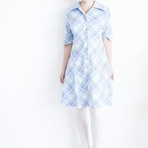 b88869ea 50% aprilSALG 70-talls rutete kjole, blå grønn og hvit-mønstret sommerkjole