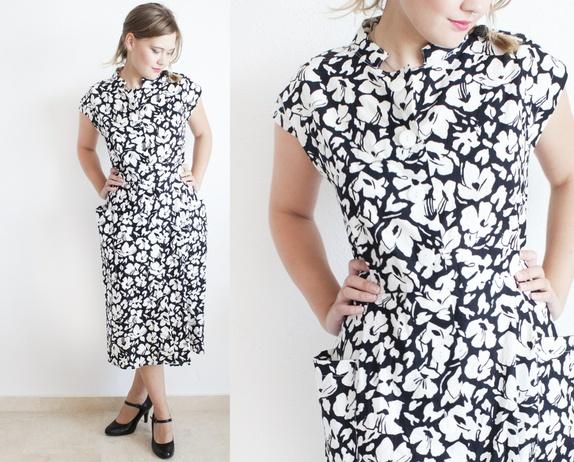 3a242220 50% aprilSALG Sort hvitt kjole fra 80-tallet, abstrakt blomstermønster,  hvite knapper, sommerkjole - Epla