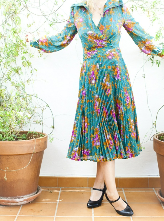 70 talls grønn blomstrete kjole Epla