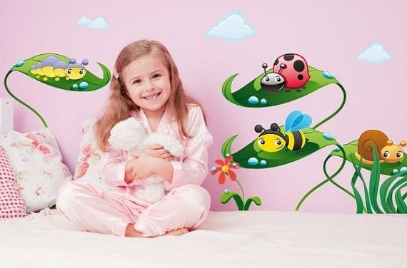 Wall Sticker Cute Bugs on Leaves (2636f) - Norge - Size: height 52x62cm The sticker looks exactly like the picture. There is also an option of a mirror image. Apply to any smooth, clean dry surface. Also suitable for glass and windows. Postage and packingWe aim to post our items within 7 working d - Norge