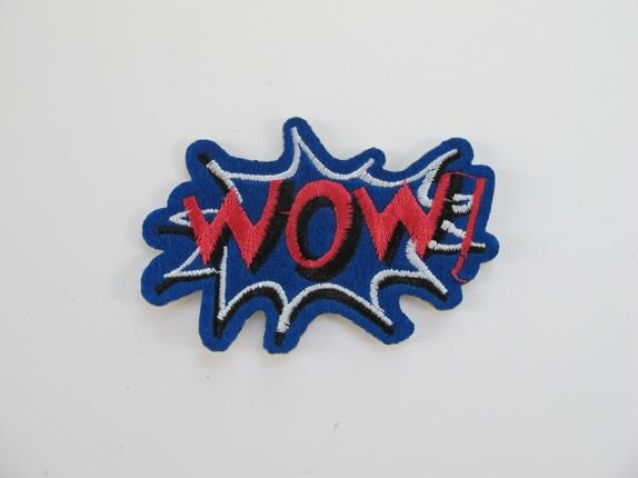 WOW - blått strykemerke - Norge - wow - blått strykemerke Kult WOW merke, den er til å stryke på eller sy på feks plagg. Målene er 8 cm X 5 cm - Norge
