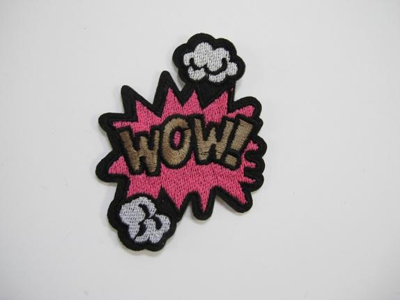 WOW - rosa strykemerke - Norge - wow - rosa strykemerke Kult WOW merke, den er til å stryke på eller sy på feks plagg. Målene er 6 cm X 7,5 cm - Norge