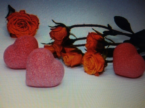 Bath Bubblehearts... - Norge - These bubbly heartlets will turn bathing into a special experience.Fragrant and sparkling,these hearth shaped indulgences will fill your bath with the aroma of a Provence summer romance and joie de vivre. 1.Orange heart2.Lemon heart3.Cherry heart4 - Norge