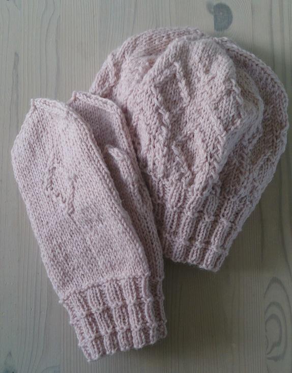 strikke lue med refleksgarn