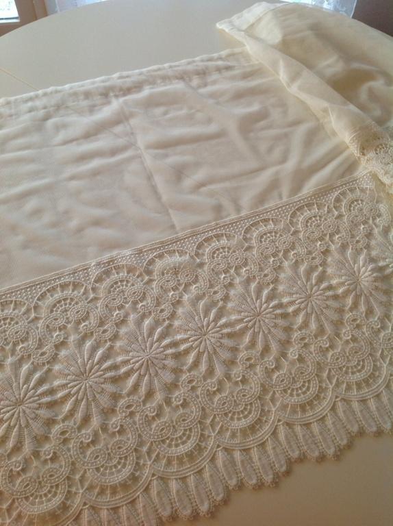Romantiske gardinkapper - Norge - 3 vakre vintage gardinkapper med romantisk motiv. Pent brukt. Mål: ca. 74.5 x 252 cm 74.5 x 171 cm 74.5 x 174 cm - Norge