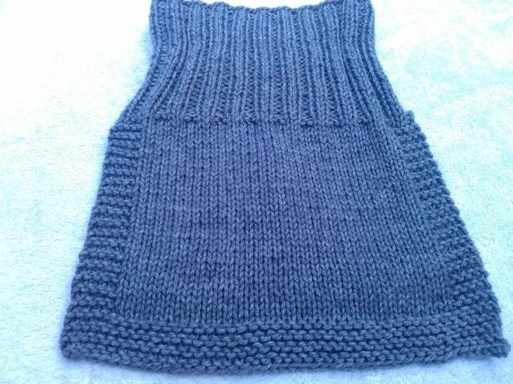 1c70dfe2 Deilig løshals til barn strikket i garn av bomull og merinoull,veldig myk  og god og klør ikke. Passer til barn i alderen 2-3 år. Farge:grå
