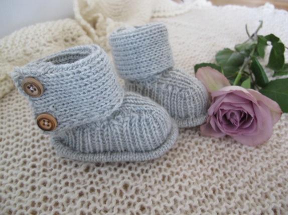 opskrift på strikket pigetrøje