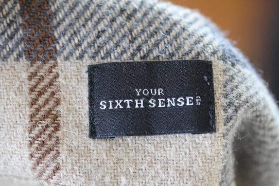64d4ee3e Flott skjørt i klassisk stil. Fra Your Sixth Sense, 20% ull. Lengde 61 cm.  Str 42.