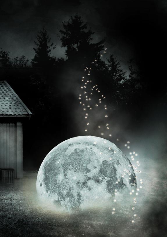 The Moon Has Landed - A4 print - Norge - Photomanipulasjon laget av flere forskjellige fotografier tatt av meg. Format: A4, printes hjemme på Canon fotoprinter med Canon printer blekk og Canon fotopapir i høy kvalitet. Selges uten ramme og signert på bakside. Passer til A4 ramme eller - Norge