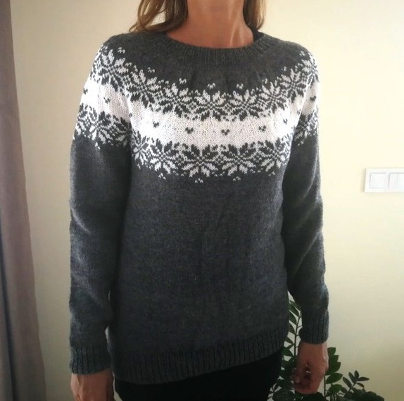 14604cb6 Håndstrikket genser (M) Grå/hvit - Epla
