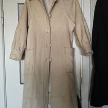 5d1aac71 kr 550,-. Kåpe i ull fra Vintage skatt har ...