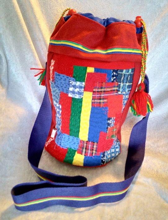 Veske med samisk inspirert dekor. Epla