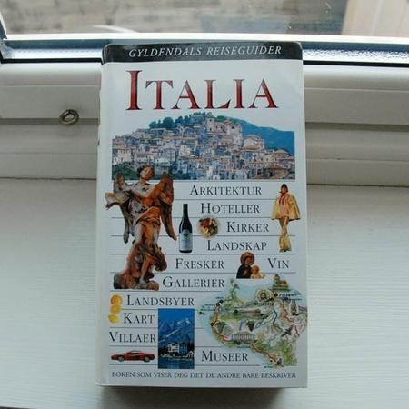 45e3a59e Reisehåndbok: ITALIA - Gyldendals reiseguider (672 rikt illustrerte sider)  - Epla