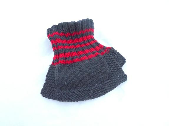 076002a6 Deilig løshals til barn strikket i garn av merinoull, Halsen veldig myk og  god, tøyelig og klør ikke.