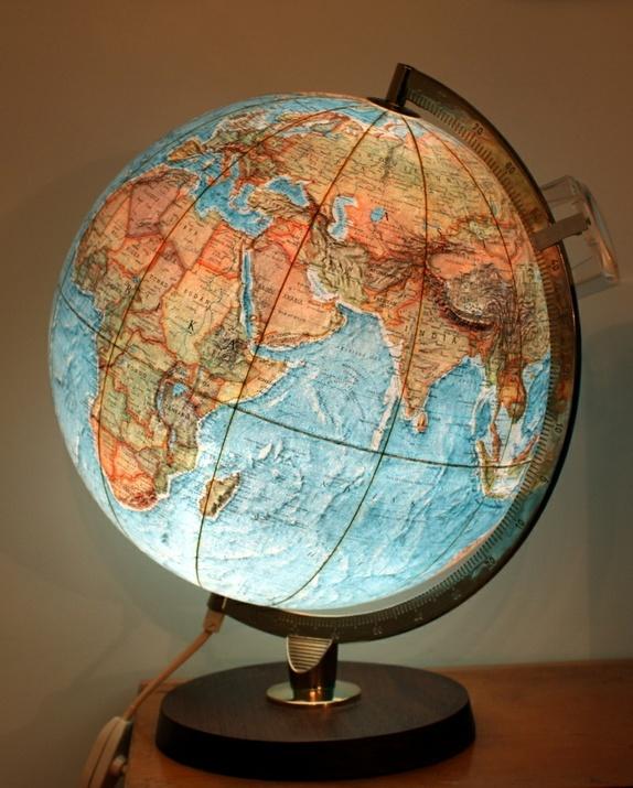 gammel globus bruk den som lampe epla. Black Bedroom Furniture Sets. Home Design Ideas