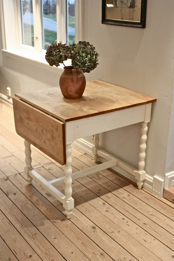 Lite kjøkkenbord