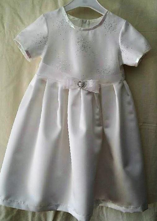 078a9025 Brudepike eller bare en veldig fin kjole. - Epla