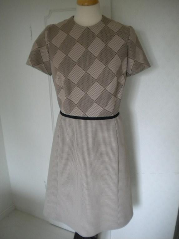 5308806f vintage retro strikkeoppskrift stilig kjole og jakke available via ...