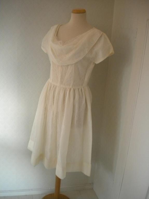 efad67c9 25% salg vintage brudekjole med blonder fra 1950 tallet i rockabillystil.  EPLA