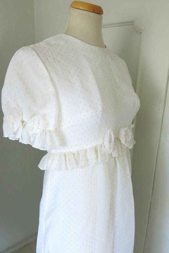 6109cee8 nostalgisk brudekjole available via PricePi.com. Shop the entire ...