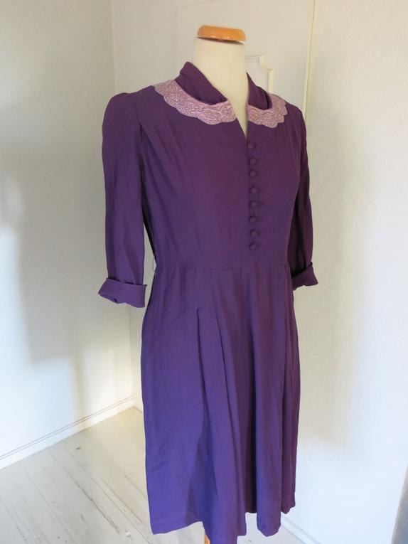 730eeca26dc Str 40-44. Lilla kjole fra 40-tallets USA Merket