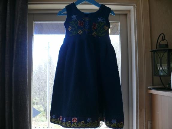 Kjoler og skjørt - Epla