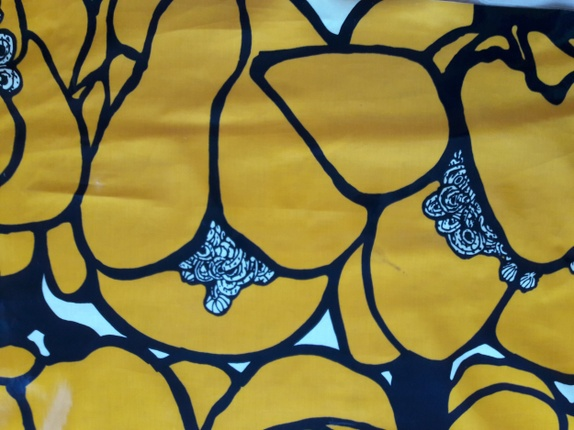 Retro voksduk - Norge - Retro voksduk. Blank og fin. Minner litt om Marimekko. Oransje/brun. Litt sliten langs kanter grunnet lagring og på endene. 2m * 1.35. Hjemlengsel, retro, duk, selskap, brun, oransje - Norge