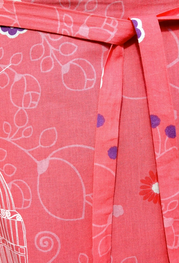 70 tallets omslagsskjørt i rosa