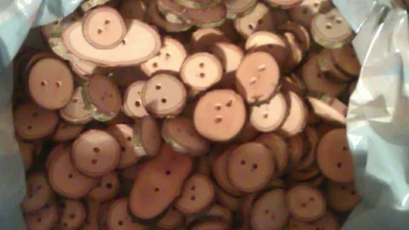 Treknapper :) - Norge - Selger treknapper av eik.Knappene er 2-3 cm i diameter. Poser av 6 stk - Norge