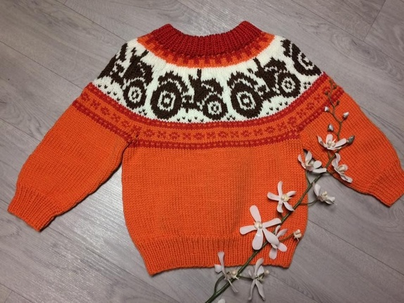 ad1e2ba4 Barnegenser med traktor - Norge - Håndstrikket barnegenser 1år. Genseren er  strikket i garnet falk