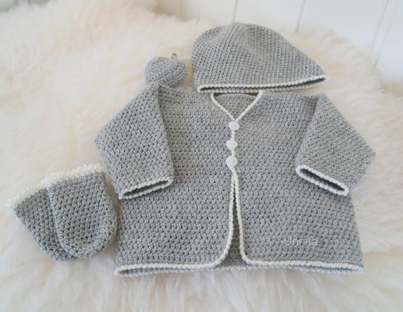 rillestrikket jakke baby hamar