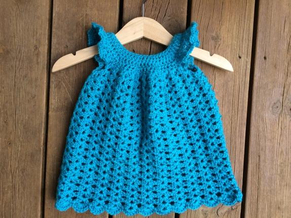 Hekla kjole til baby. | Babykjole, Strikking, Ull