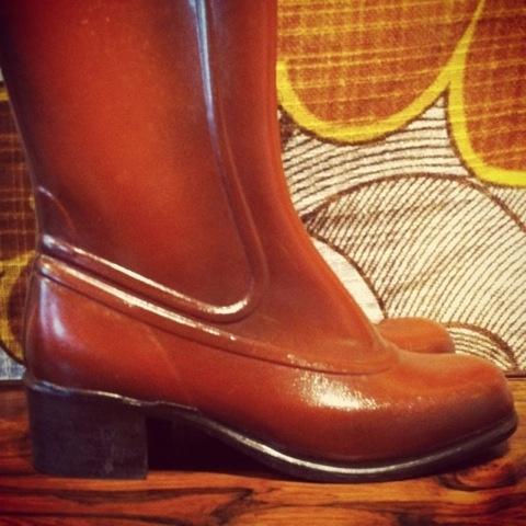 50abe4eb Helt strøkne, mer eller mindre ubrukte støvler, originalt fra 50-tallet! De  er meget behagelige på foten! Det er norsk design fra 'VIKING'! Str. 37.