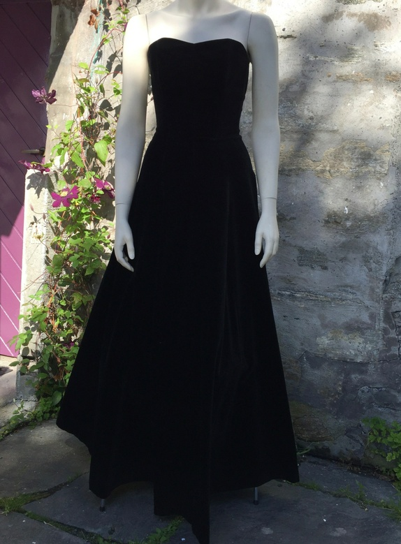 12a40530 Find vintage kjole laura berlucchi str . Shop every store on the ...