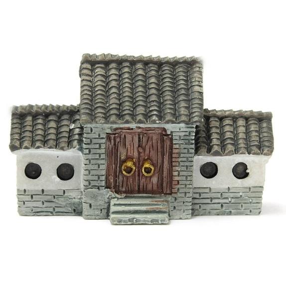 Miniatyr hus - Norge - Miniatyr hus til miniatyrdekorering Str: 4,4 x 2,7 cm Se bilder for ideer av hva du kan lage med miniatyrfigurer, bilder er lånt fra Pintrest. Blir det betalt for mye i porto, blir det tilbakebetalt til deg. - Norge