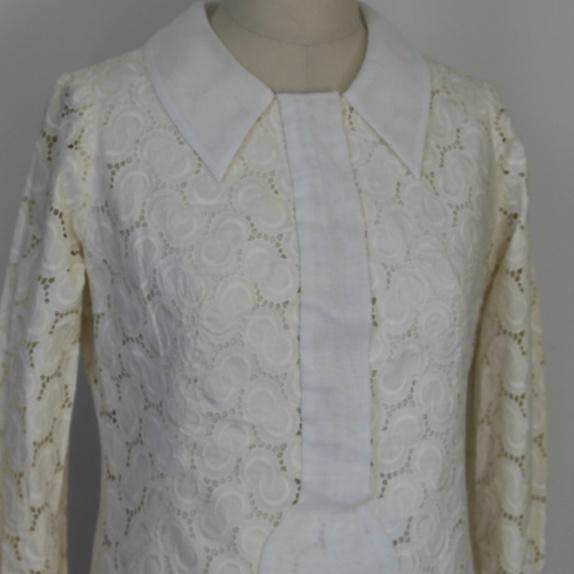 c5cd396b1 60 talls kjole med blonder available via PricePi.com. Shop the ...