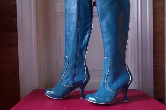 Irregular choice støvletter, str 38, unike i norge - Norge - Spesielle og vakre støvletter med gjennomført god kvalitet og komfort, selges ikke i norge Kule detaljer, også under foten! Størrelse 38, ubrukte. - Norge